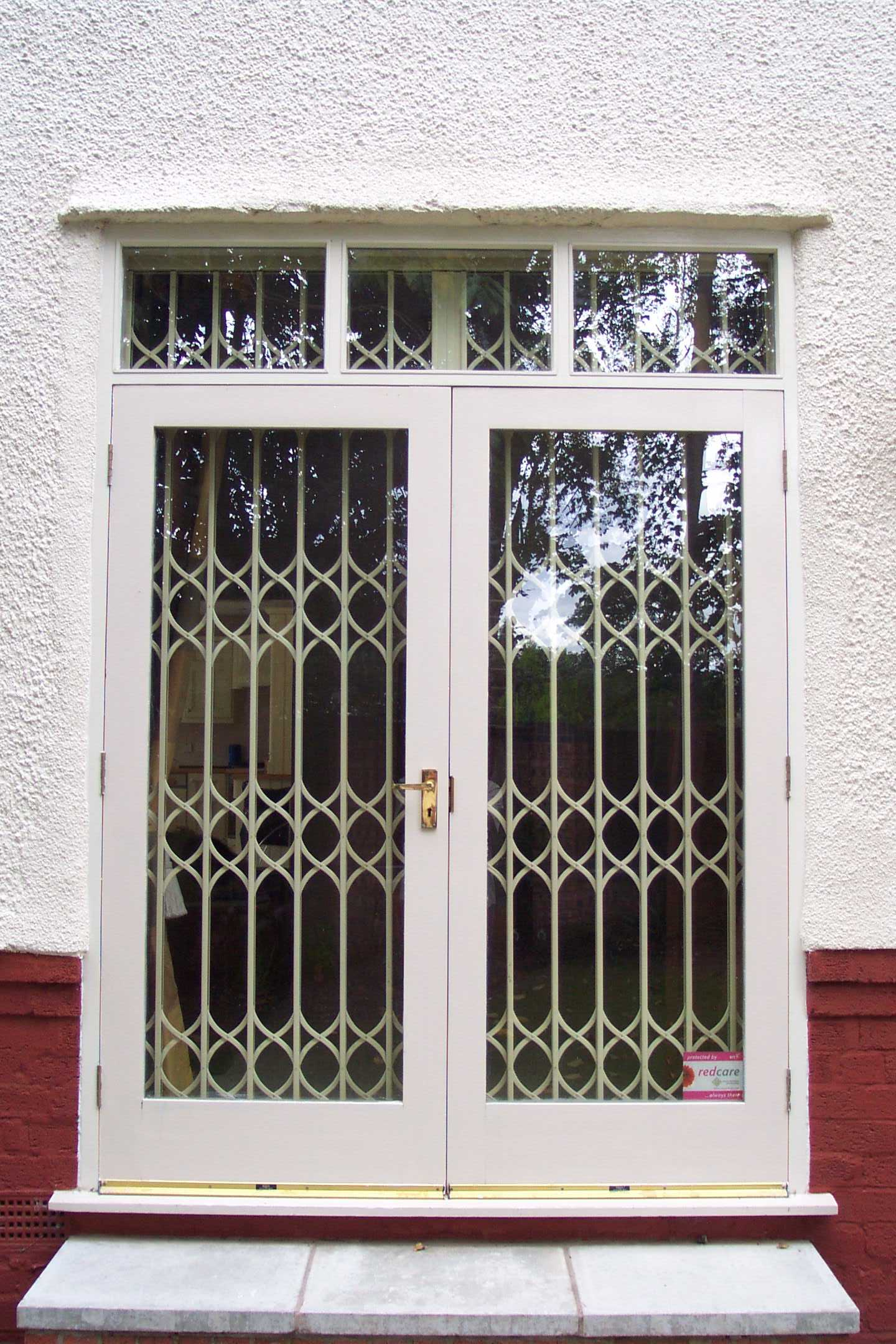 Retractable Security Grilles Liverpool Wirral Warrington